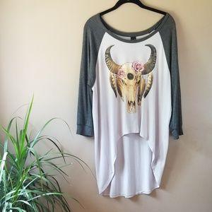NWOT Windsor Bull Skull Top